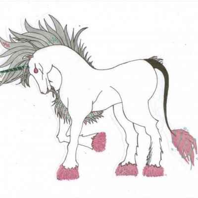 Единорог с красными копытами