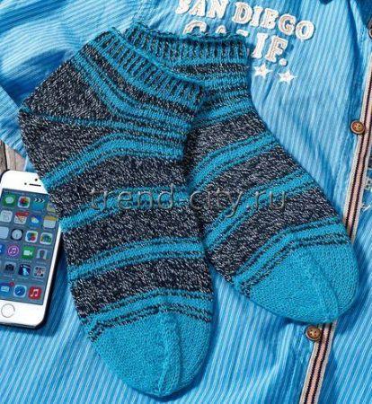 Короткие мужские носки спицами