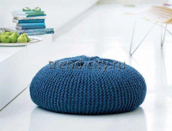 Круглая напольная подушка спицами