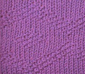 Плотный узор спицами ромбы из путанки