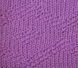 Рельефный узор спицами ромбы из путанки